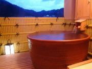 源泉掛け流し露天風呂付き特別客室(とみや)