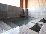 天然温泉かけ流しの露天風呂付客室(旅館 桐乃湯)